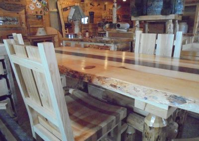 Diningroom Table and Chairs(1)